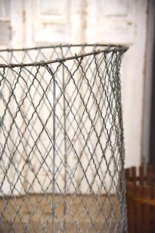 アンティーク 灰色ワイヤーカゴ イギリス