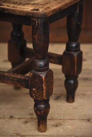 アンティーク 木製スツール 座面正方形 脚太