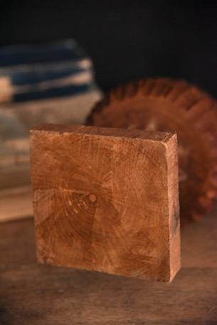 アンティーク 松ぼっくりタワー 木彫り