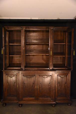 アンティーク カップボード 上段3つ下段4つ扉
